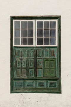 Spaanse raam luik / deur,  Lanzarote van Andrew Chang