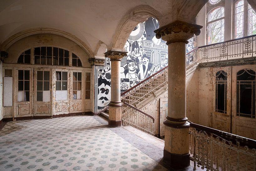Hall d'entrée abandonné. sur Roman Robroek