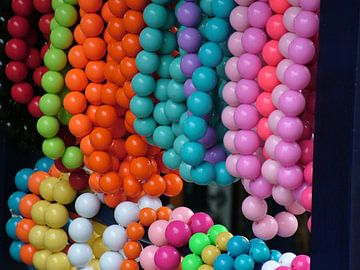 Kleurrijke kralen van Jan Roodzand