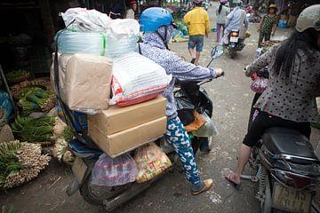 Vervoersproblemen? Die zijn er niet! (Marktevenementen in Vietnam) van t.ART