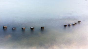 Een minimalistisch zeegezicht. van Eddy Westdijk