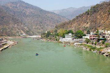 Der heilige Fluss Ganges in Indien von Nisangha Masselink