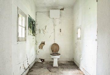 Schmutzige Toilette von Kirsten Scholten
