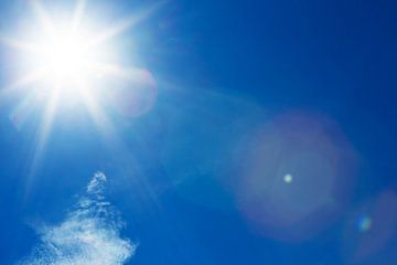 De zon aan de hemel van Frank Herrmann