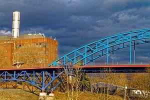 Brug bij de jachthaven in Duisburg-Ruhrort (7-62663) van Franz Walter