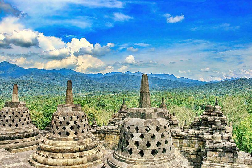 'Stupa's en Dagoba's op de Borobudur van Eduard Lamping