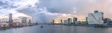 La tempête dans le ciel de Rotterdam sur Prachtig Rotterdam