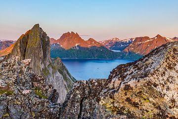 Magisch panorama met de berg Segla in Noorwegen van Karla Leeftink