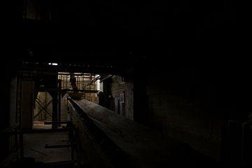 Een verlaten fabriekshal van Melvin Meijer