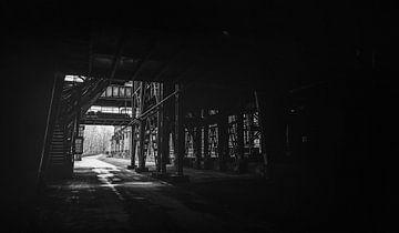 Tunnel im Hochofen - Landschaftspark Duisburg Nord - Stahlwerk, Zeche und Hüttenwerk im Ruhrpott! von Jakob Baranowski - Off World Jack