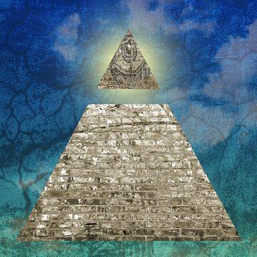 Piramide met alziend oog van Sigrid Klop