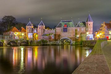 Amersfoort bij nacht van Ron van Ewijk