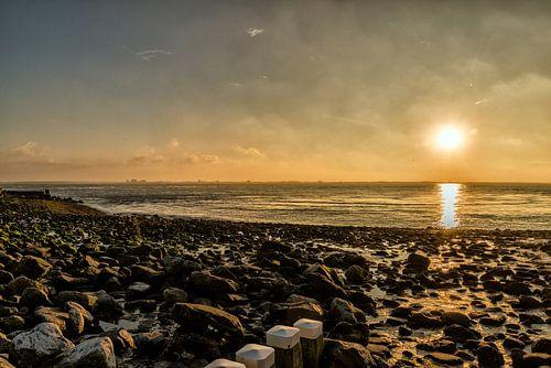Zonsondergang gezien vanaf Vlissingen. van Don Fonzarelli