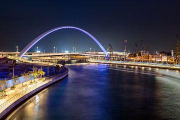 Pont en arc sur le canal de Dubaï sur Rene Siebring