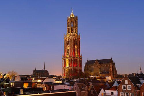 Stadsgezicht van Utrecht met roodwitte Domtoren, foto 4