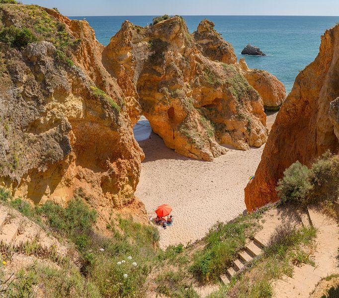 Praia da Prainha, Alvor, Algarve, Portugal van Rene van der Meer
