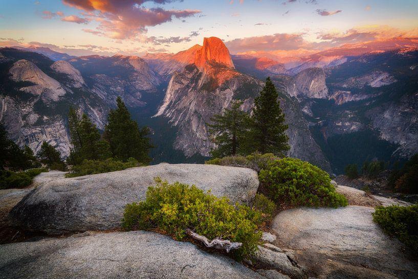 Yosemite sunset van Albert Dros