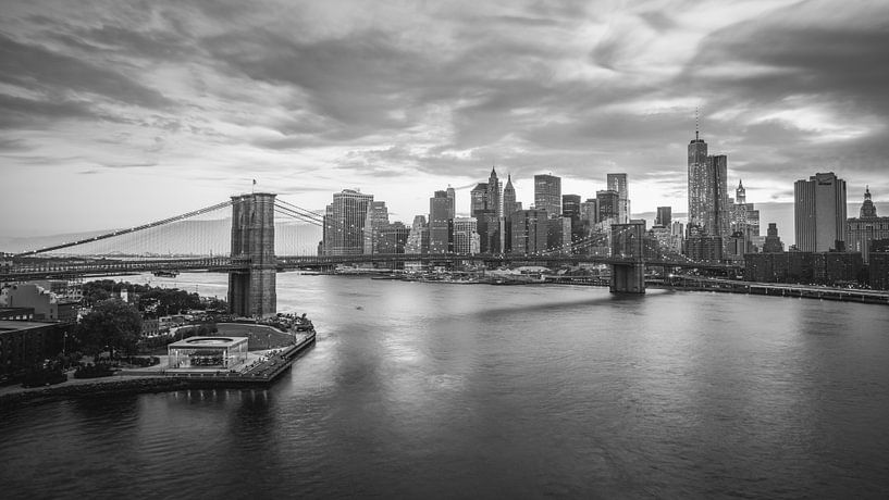 New York City Lights (B&W) van Dennis Wierenga