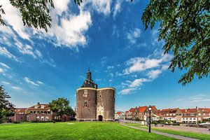 De Dromedaris aan de haven van het IJsselmeer havenstadje Enkhuizen