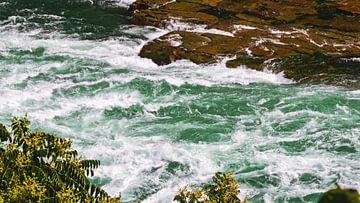 Stroomversnellingen in de Niagara rivier van Ed Steenhoek