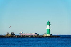 Mole an der Ostseeküste in Warnemünde.
