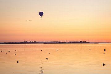 Ballon über dem Veere-See von Rob Boon