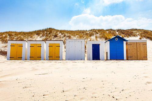Strandhuisjes bij duin en strandwallenlandschap Domburg