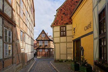 mittelalterliche Gebäude in der Altstadt von Quedlinburg von Heiko Kueverling