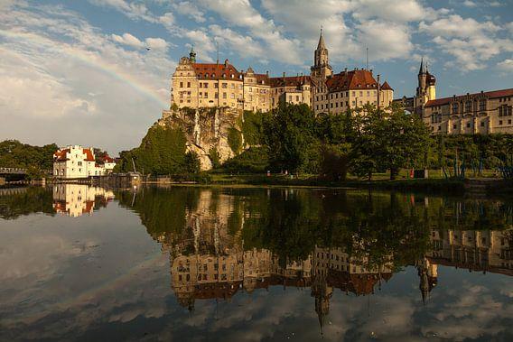 Regenboog bij Sigmaringen Kasteel aan de Donau
