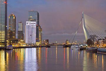 Turm im Süden und Erasmusbrücke in Rotterdam von Remco Swiers