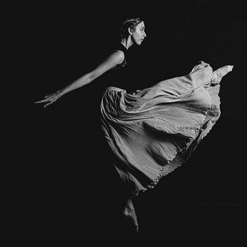 Balletdanser zwartwit 06 van FotoDennis.com