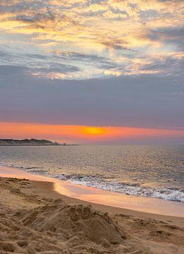 Gekleurde lucht strand Vrouwenpolder 3 van Percy's fotografie