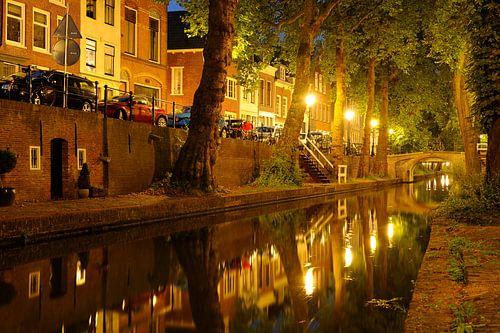 Nieuwegracht in Utrecht tussen Quintijnsbrug en Magdalenabrug  van Donker Utrecht