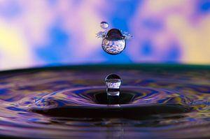 Blauwe waterdruppel van