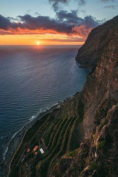 Madeira Cabo Girao Girao bij zonsondergang van Jean Claude Castor
