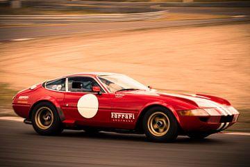 Ferrari 365 GTB/4 Daytona klassieke race auto van Sjoerd van der Wal