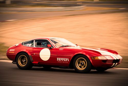 Ferrari 365 GTB/4 Daytona klassieke race auto