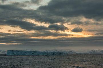 Eisberg in der Antarktis von Eefke Smets