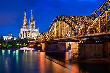 Kölner Dom bei Nacht von Michael Abid