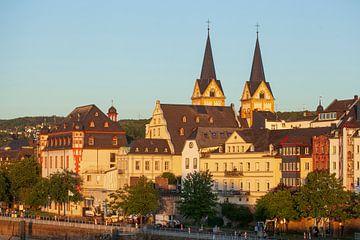 Peter Altmeier rive de la Moselle avec la vieille ville dans la lumière du soir, Coblence, Rhénanie-