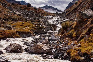 Gletsjer beek Silvretta stuwmeer van Rob Boon