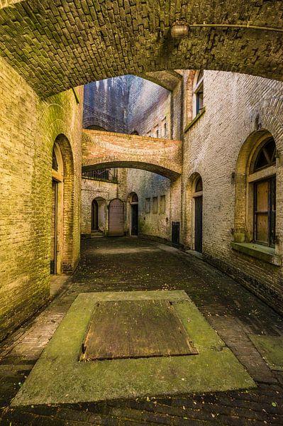 Standort Urbex, verlassenes Fort an der holländischen Wasserlinie von Michel Knikker