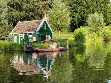 Huisje met boot van matthijs iseger
