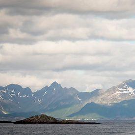Vuurtoren op Lofoten, Noorwegen van Jolanda van Straaten