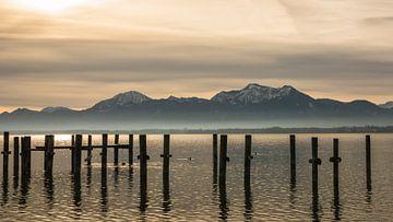 Chiemsee mit Alpenblick von Tobias Luxberg