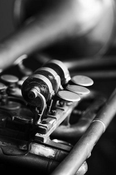 Oude trompet zwart-wit beeld
