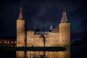 Kasteel Hoensbroek by night van Carola Schellekens