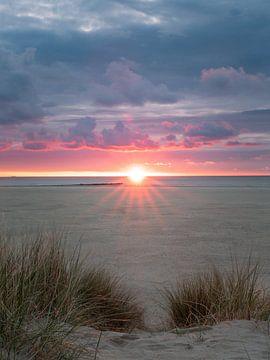 Zonsondergang op Texel van Remco Piet
