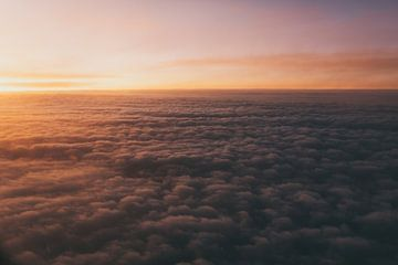 Zonsondergang boven Noorwegen van Jessie Jansen