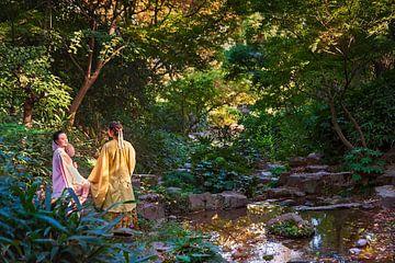 Dames chinoises au bord d'un ruisseau sur Anouschka Hendriks